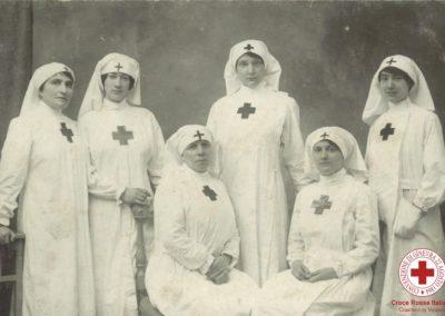 Sorelle in servizio in ospedale militare durante la Prima Guerra Mondiale